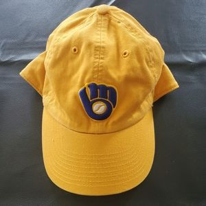 Other - Milwaukee Brewers 1982 Mitt Logo Yellow Cap